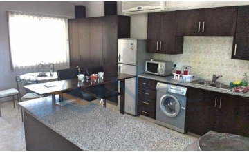 Large 3 bedroom apartment Technical School