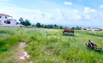 Large plot with sea views