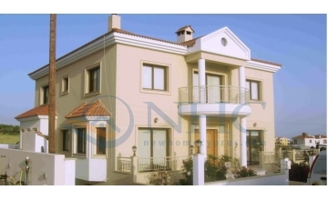 5 Bedroom Luxury Villa in Anarita