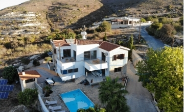 Very Large 3 Bedroom Sea View Golf Villa